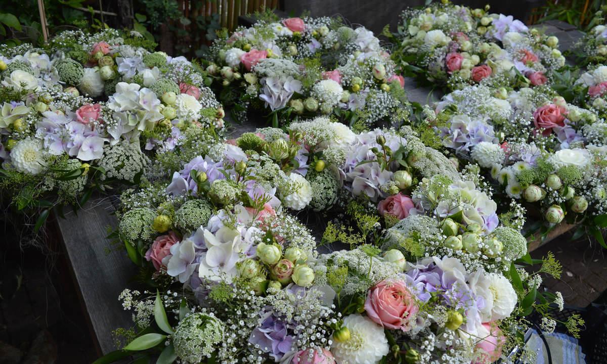 Brautstrauss Hochzeitsblumen Hochzeitsfloristik Online Bestellen